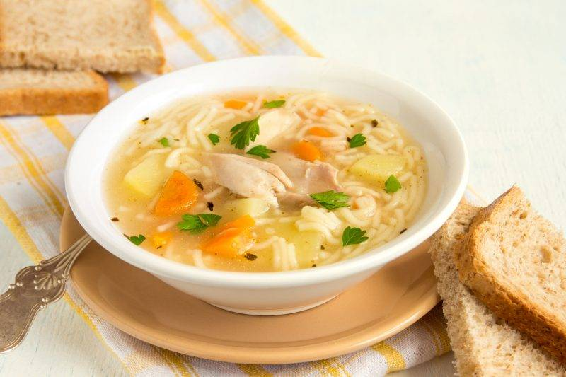 Овощной суп на курином бульоне