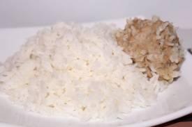 Готовим рис в пароварке с мясом и без него