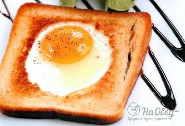 Яичница в хлебе: разные способы приготовления