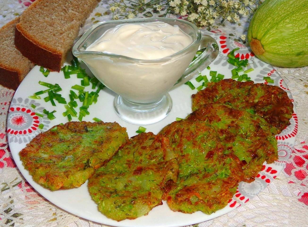 Пышные оладьи из кабачков - 5 рецептов с фото пошагово