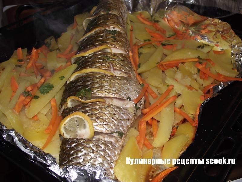 Запеченный пеленгас в сугробе