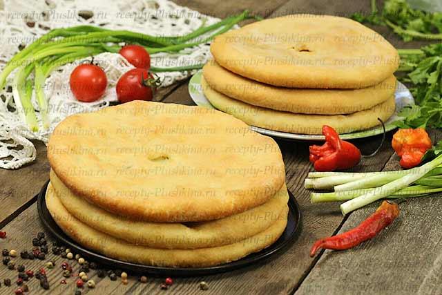 Домашний осетинский пирог с яйцом и зеленью