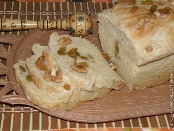 Хлеб на кислом молоке с изюмом и грецкими орехами