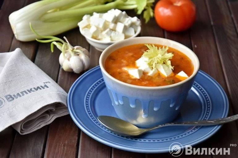 Томатный чечевичный суп с имбирем