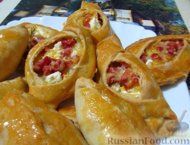 Творожные булочки с сыром и колбасой