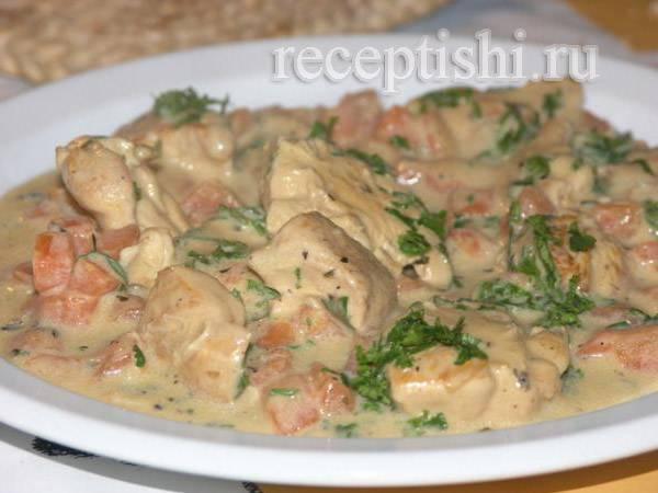 Фрикасе из курицы - классический рецепт сливочного соуса, добавок с грибами и овощами