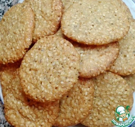 Песочное печенье с кунжутной обсыпкой