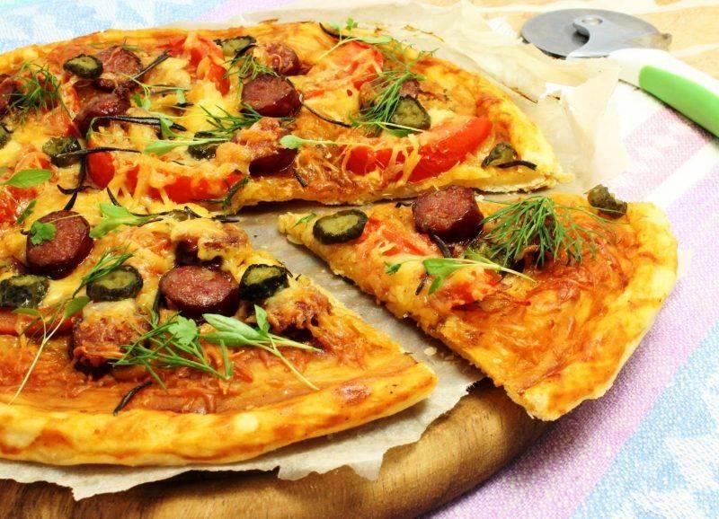 Хотите сэкономить время – делайте пиццу из готового слоеного теста с любимой начинкой