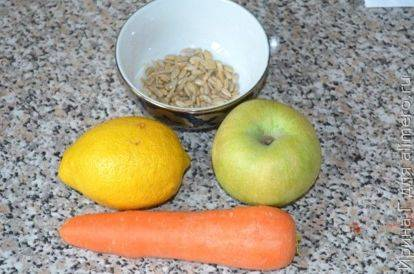 Необычный морковный салат с семенами подсолнечника