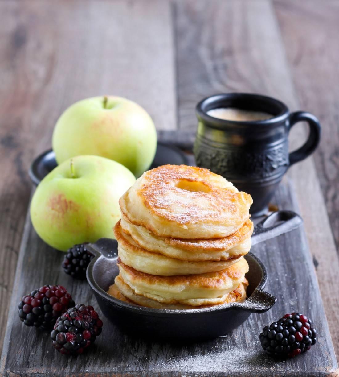 Топ-7 лучших рецептов пышных оладьев с яблоками