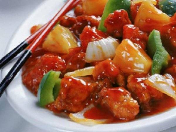 Курица в кисло-сладком соусе по-китайски - рецепты филе, крылышек, лапок и желудков с овощами