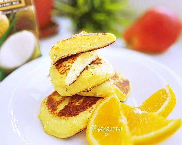 Оранжевые сырники с апельсиновым соусом - 11 пошаговых фото в рецепте